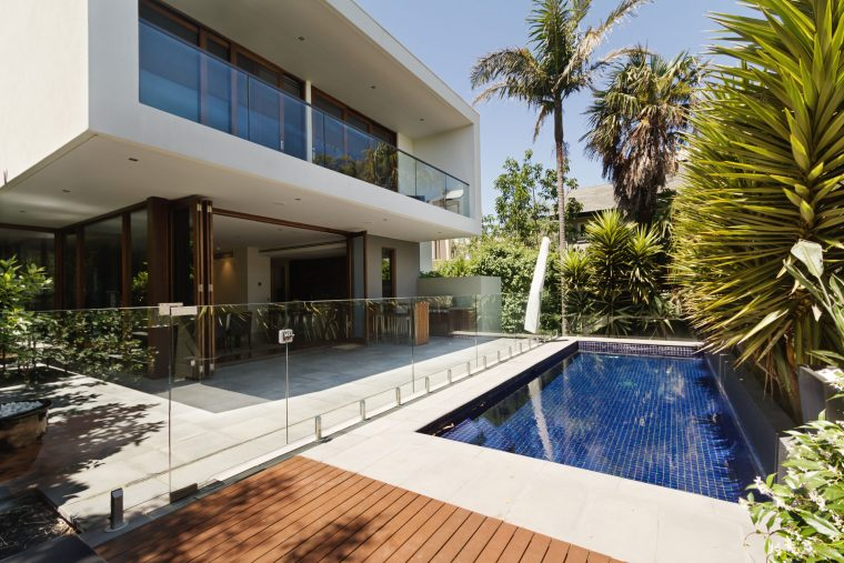 Essential Pool Accessories for the Modern Home
